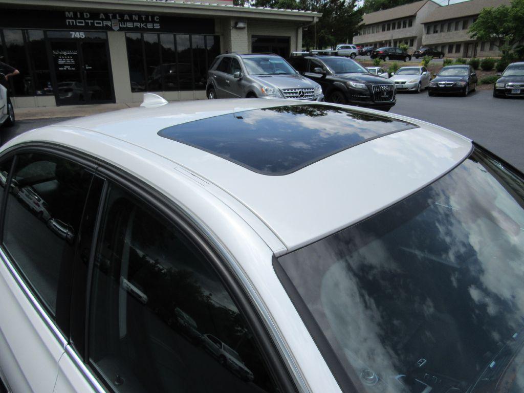 2013 BMW 328I XDRIVE LUX NAV-Camera-Head Up Display!