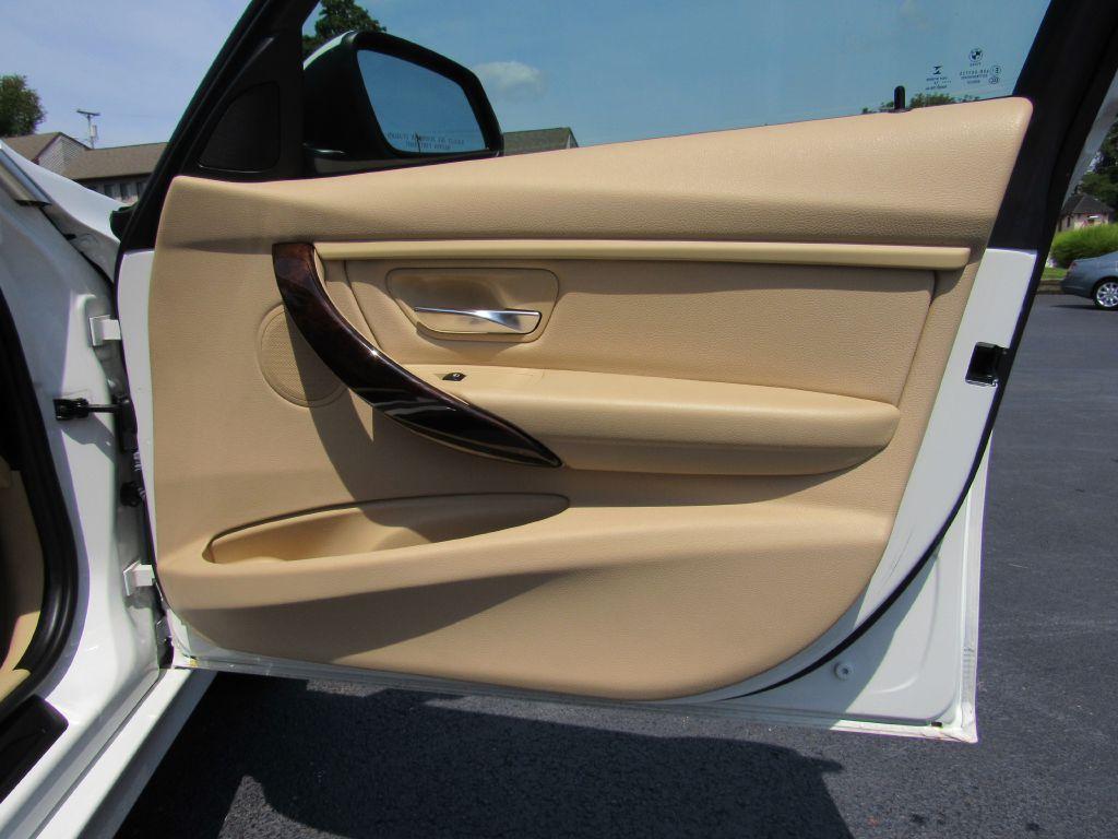 2015 BMW 328I XDRIVE Local Trade! Heated-Premium-BT