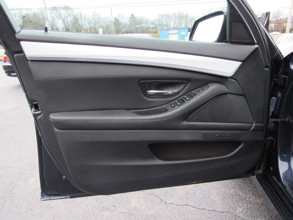 2012 BMW 528I XDRIVE Sport Pkg-NAV-Rear Camera-HIDs