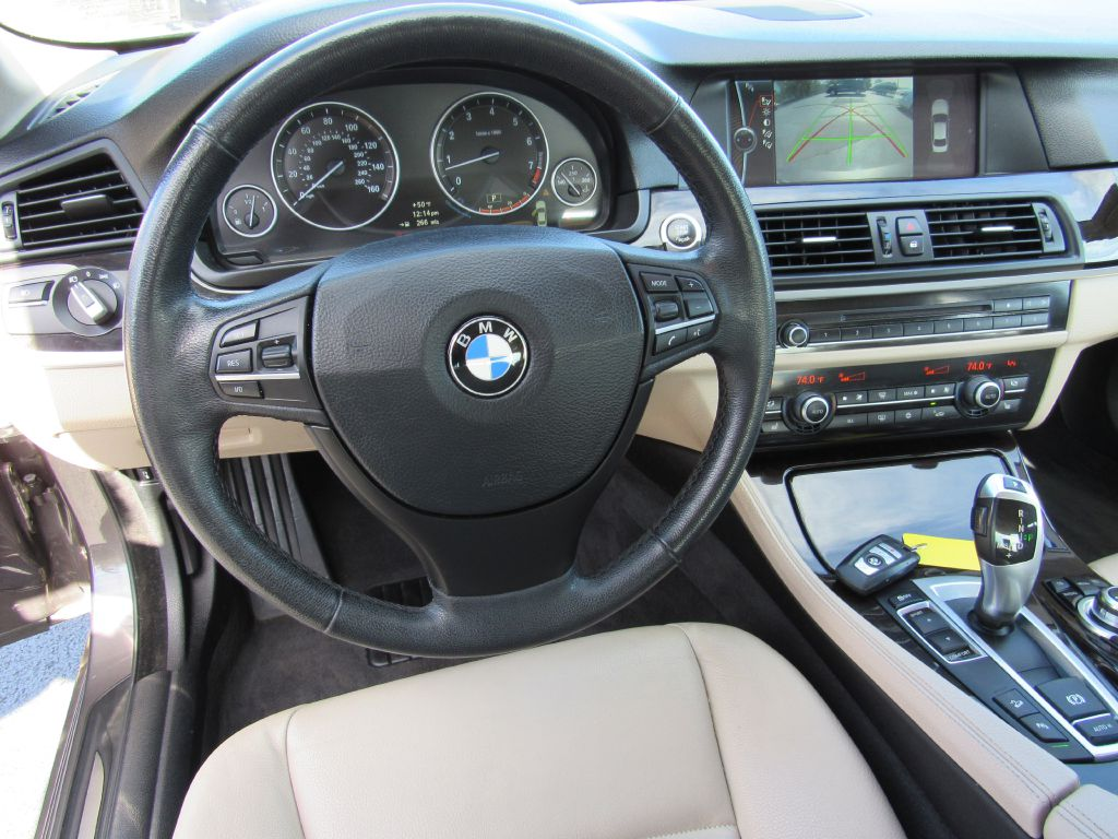 2012 BMW 528I XDRIVE NAV Local Trade-Serviced-Camera