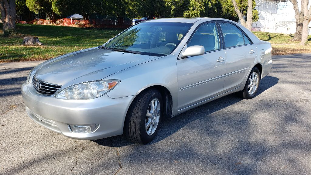 2005 TOYOTA CAMRY XLE for sale at CAROFMINE