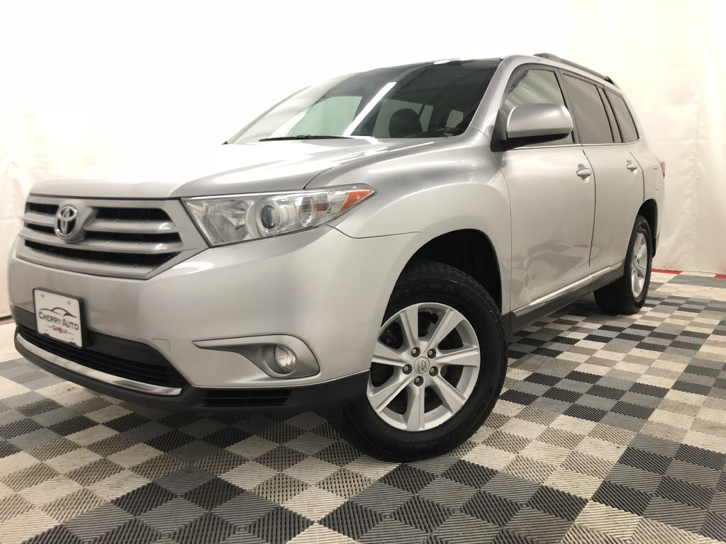 2013 TOYOTA HIGHLANDER AWD SE for sale at Cherry Auto Group