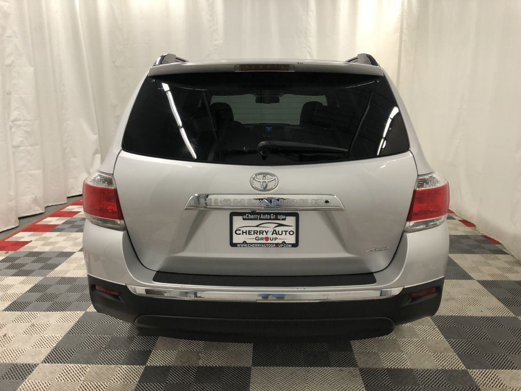 2013 TOYOTA HIGHLANDER AWD XLE for sale at Cherry Auto Group