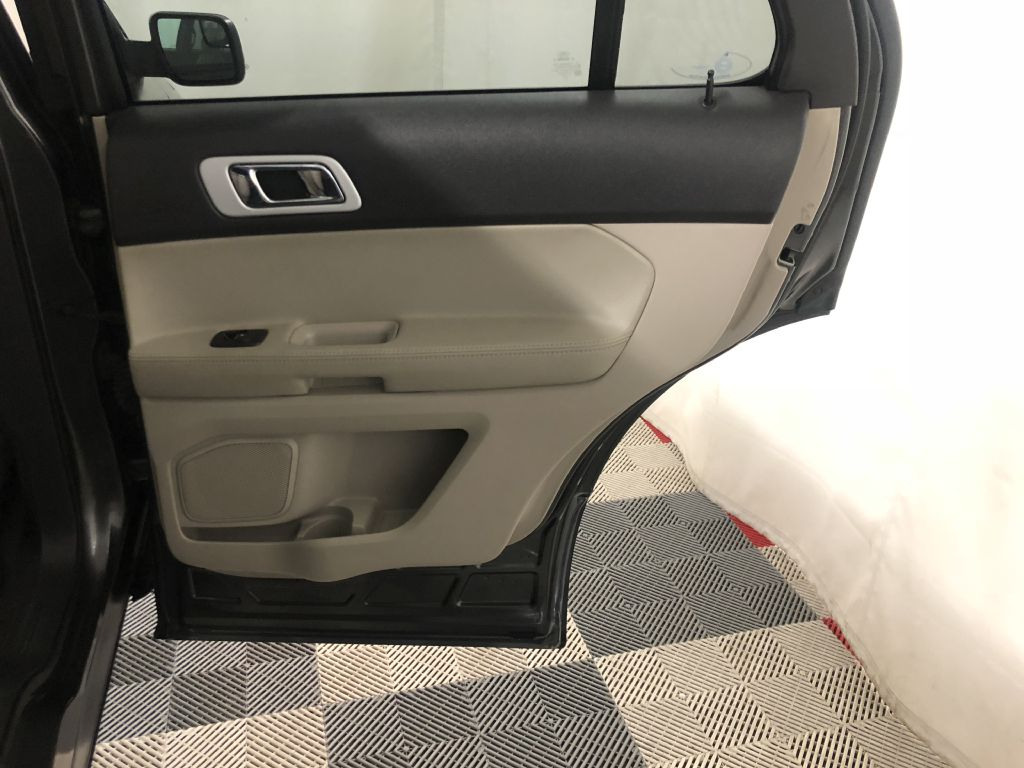 2015 FORD EXPLORER LIMITED for sale at Cherry Auto Group