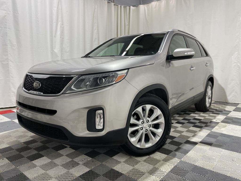 2014 KIA SORENTO EX *AWD* for sale at Cherry Auto Group