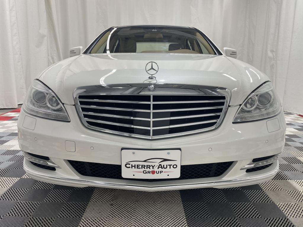 2013 MERCEDES-BENZ S-CLASS S550 4MATIC *AWD* for sale at Cherry Auto Group