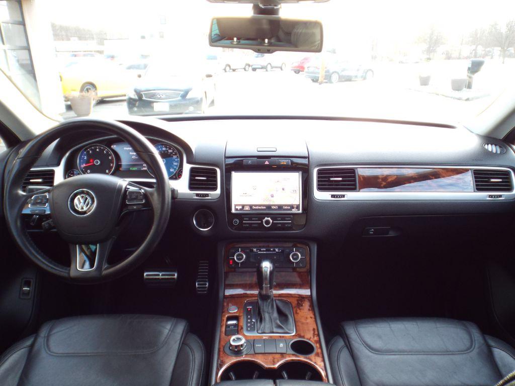 2012 VOLKSWAGEN TOUAREG HYBRID for sale at Carena Motors