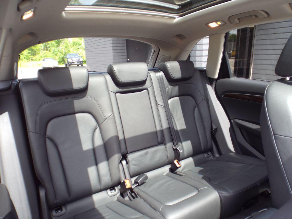 2010 AUDI Q5 PRESTIGE for sale at Carena Motors