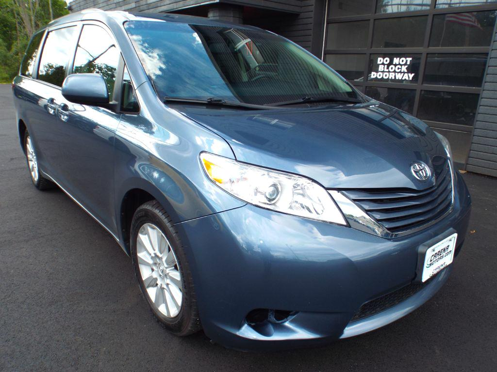 2015 TOYOTA SIENNA LE for sale at Carena Motors