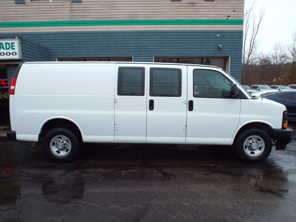 2017 CHEVROLET EXPRESS G2500  for sale at Carena Motors