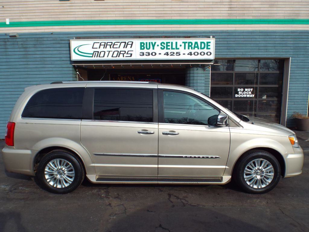 2016 CHRYSLER TOWN & COUNTRY LIMITED for sale at Carena Motors