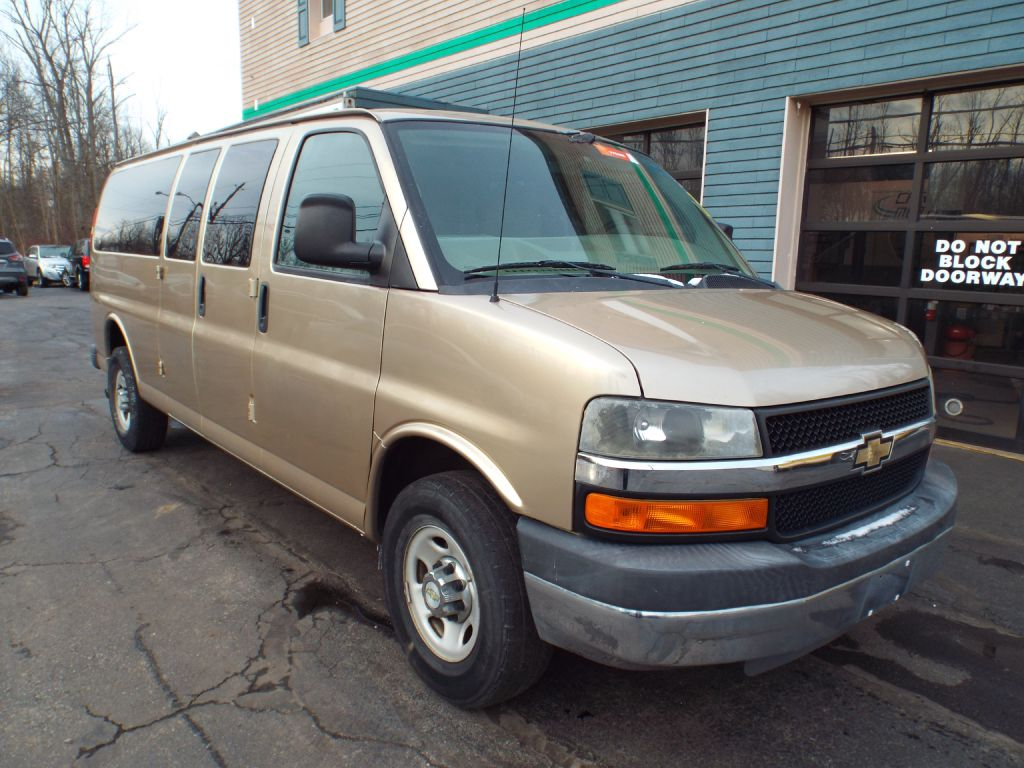 2010 CHEVROLET EXPRESS G3500 LT for sale at Carena Motors