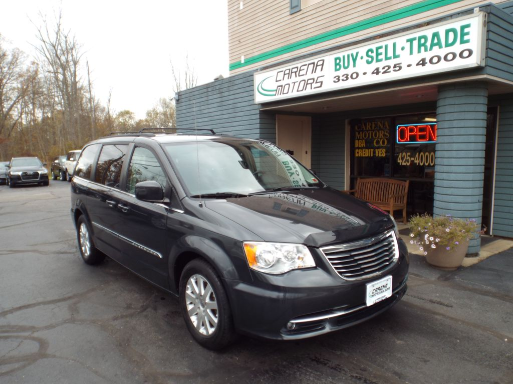 2012 CHRYSLER TOWN & COUNTRY TOURING for sale in Twinsburg, Ohio