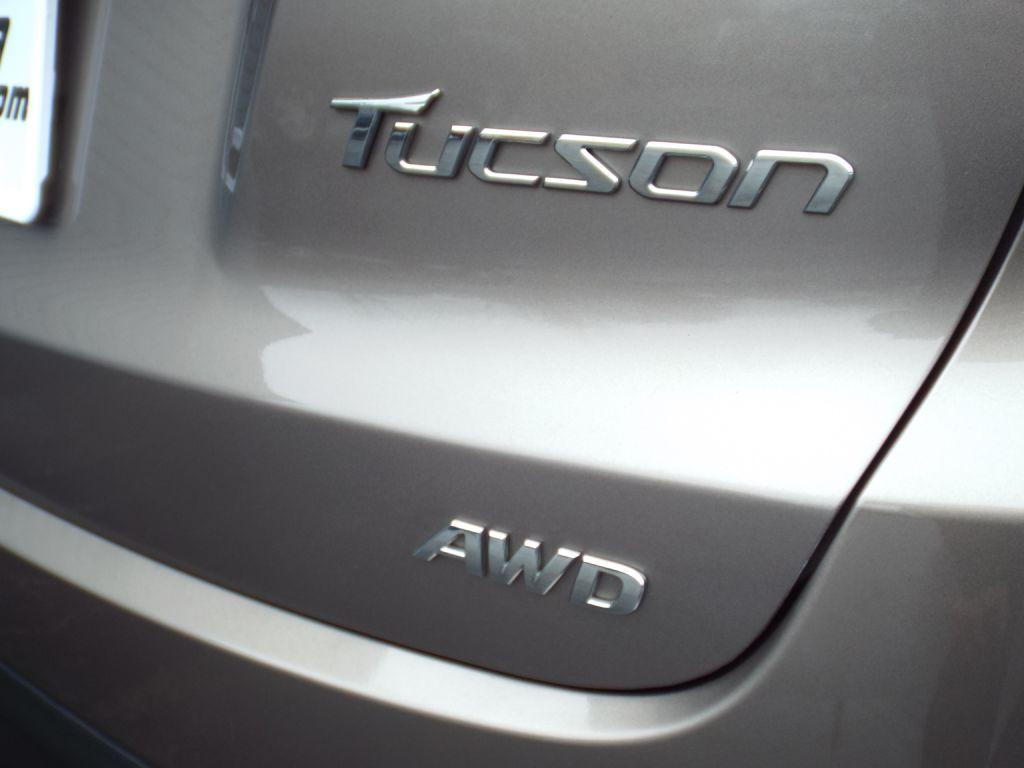 2011 HYUNDAI TUCSON GLS for sale at Carena Motors