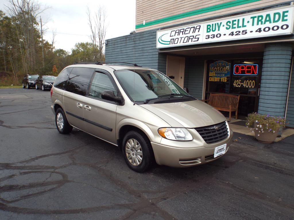 2007 CHRYSLER TOWN AND COUNTR BASE for sale at Carena Motors