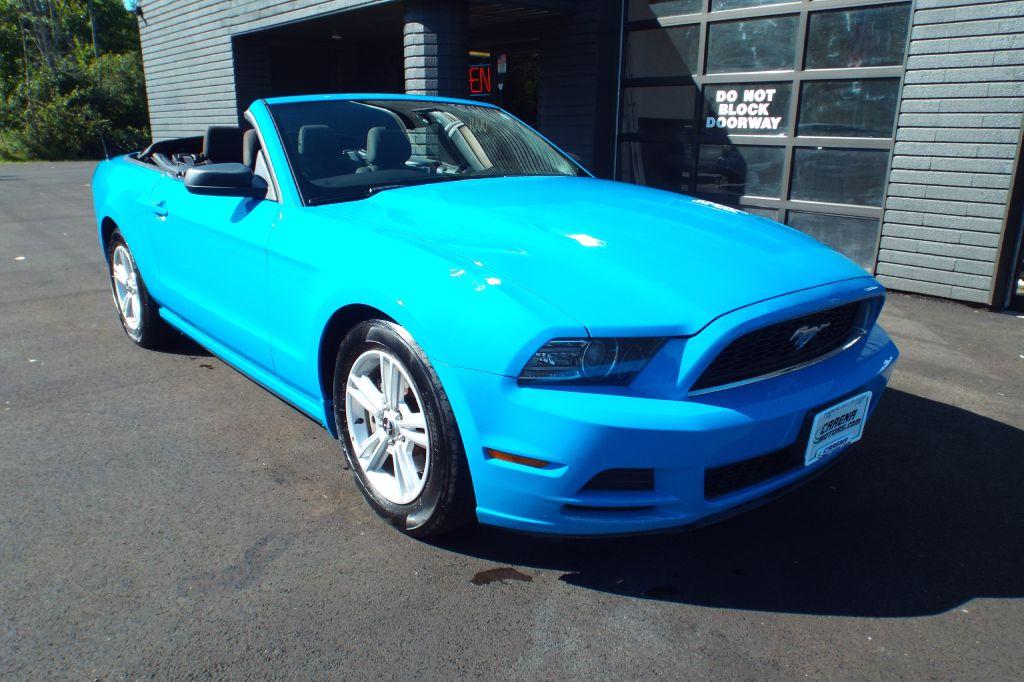 2013 FORD MUSTANG  for sale at Carena Motors