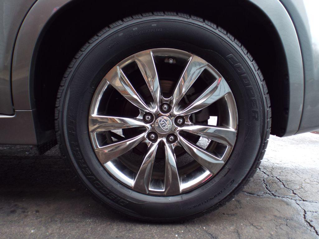 2013 KIA SORENTO SX for sale at Carena Motors