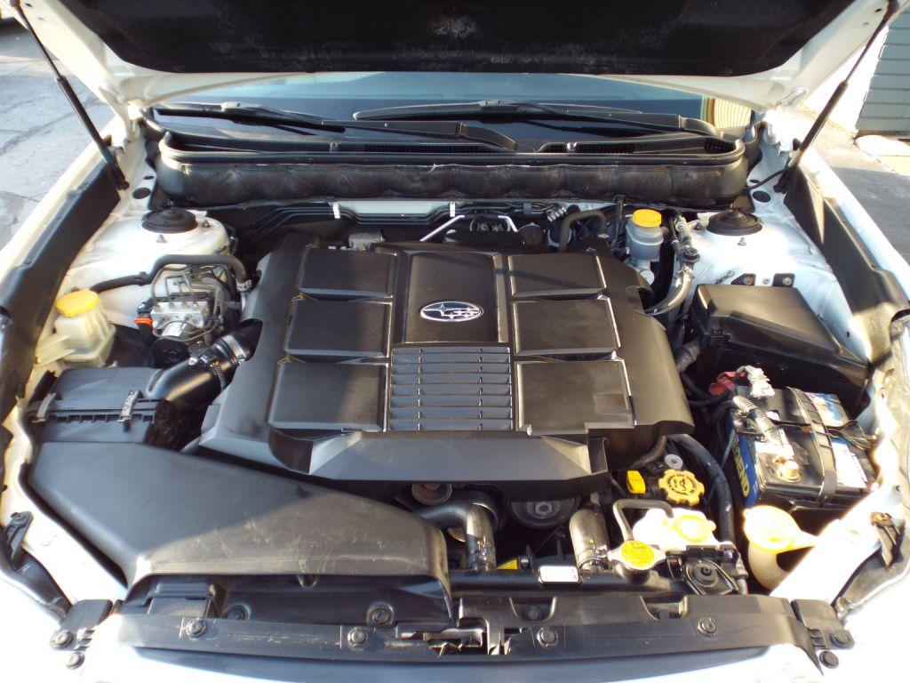 2010 SUBARU OUTBACK 3.6R LIMITED for sale at Carena Motors