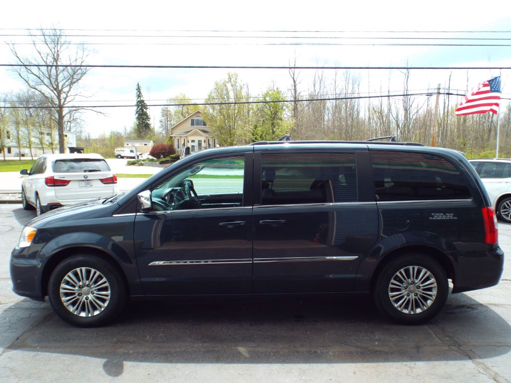 2013 CHRYSLER TOWN & COUNTRY TOURING L for sale at Carena Motors
