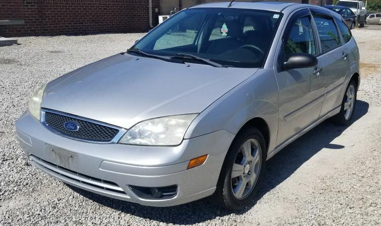 2007 FORD FOCUS ZX5 for sale at Zombie Johns