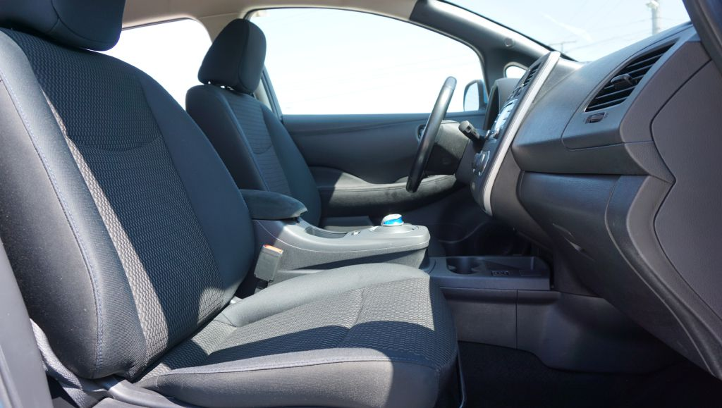 2013 NISSAN LEAF S for sale at Zombie Johns