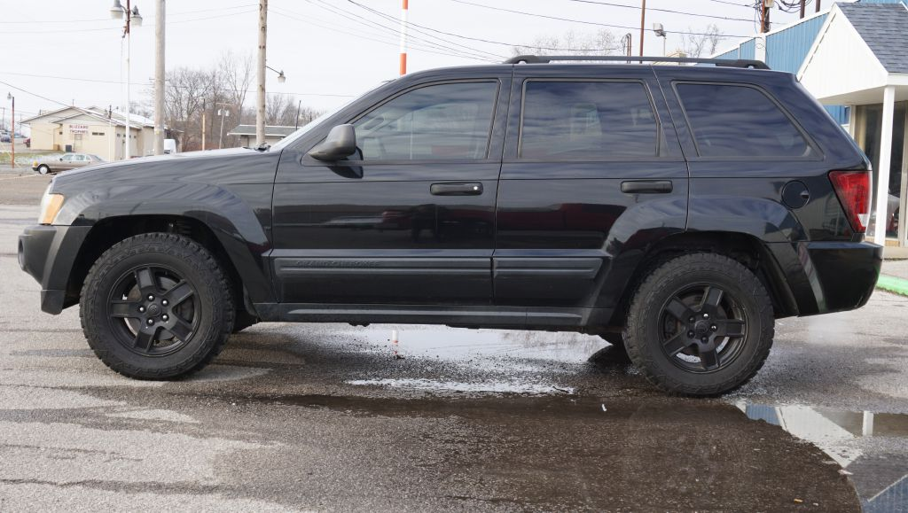 2006 JEEP GRAND CHEROKEE LAREDO 4*4 for sale at Zombie Johns